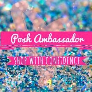 Shop w/Confidence, I'm a trusted Poshmark Ambas.🌟
